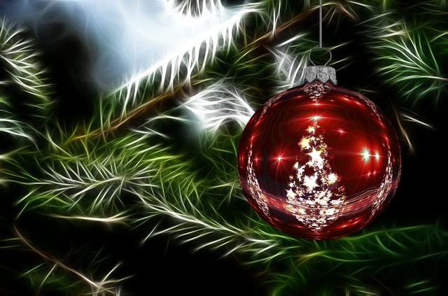 christmas-ornament-1033279_640