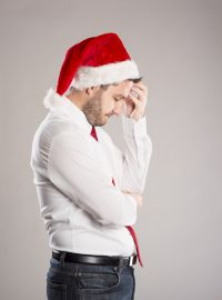 sad-man-santa-hat-bigst