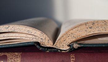 book-856151_640